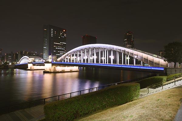 勝鬨橋(北)方向の夜景を望む