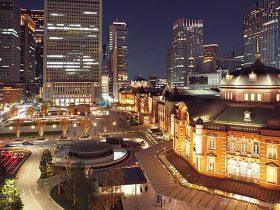 東京駅丸ノ内駅前ロータリー(北)方向の夜景を望む