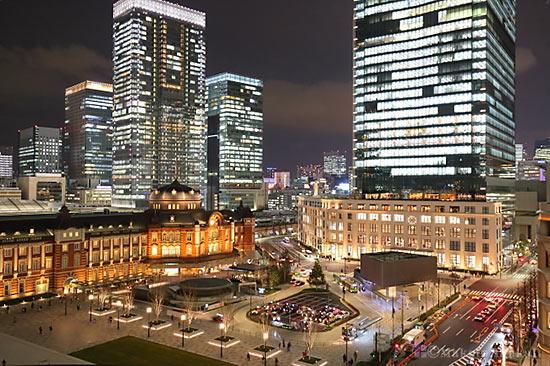東京駅・KITTE(南東)方向の夜景を望む
