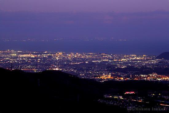 平塚市・湘南平(南東)方向の夜景を望遠で捉える