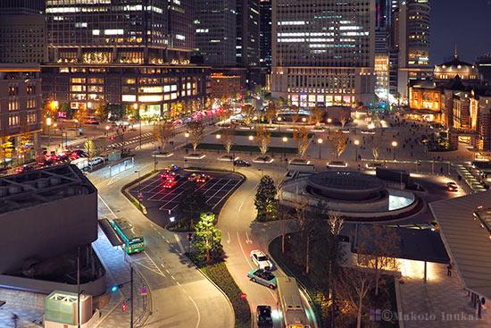 東京駅 丸の内駅前広場(北)方向の夜景を望む