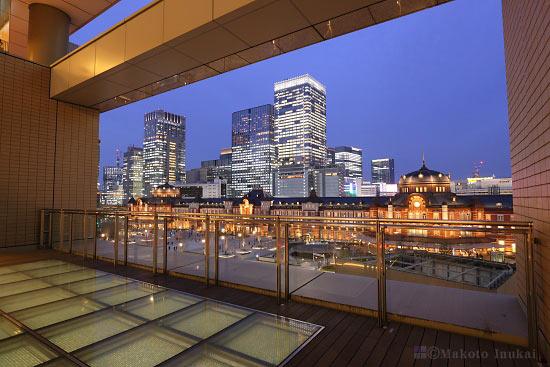 夜景スポット 丸の内ビル 5階テラスの雰囲気