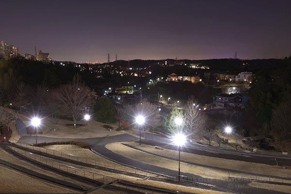 若葉台(東)方向の夜景を望む