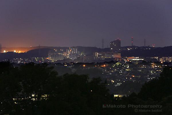 百草(西南西)方向の夜景を望遠で捉える
