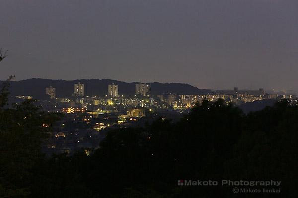 多摩センター(南西)方向の夜景を望遠で捉える