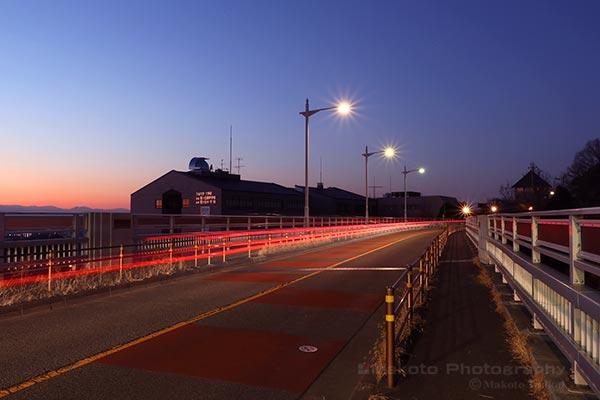 夜景スポット 坂浜聖ヶ丘橋の雰囲気
