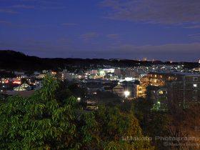 下柚木・野猿街道(北東)方向の夜景を望む