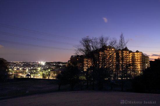 町田・鶴川(南)方向の夜景を望む