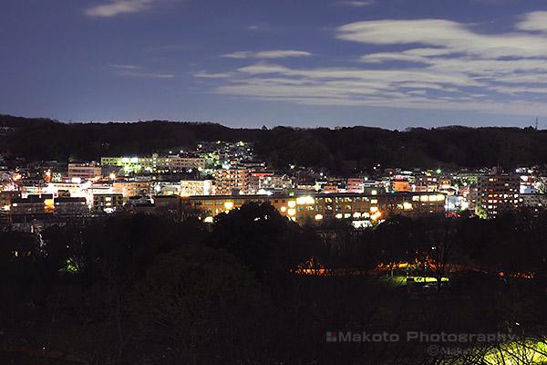 下柚木・野猿街道(北西)方向の夜景を望む