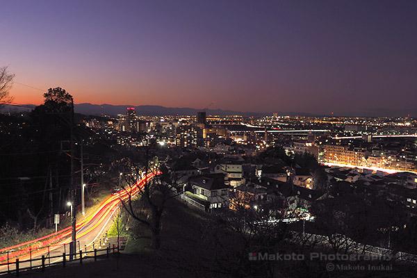 聖蹟桜ヶ丘駅周辺(西北西)方向の夜景を望む