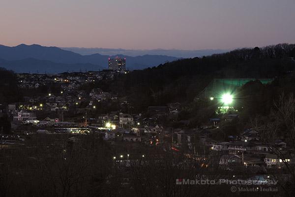 中山・北野台(北)方向の夜景を望遠で捉える