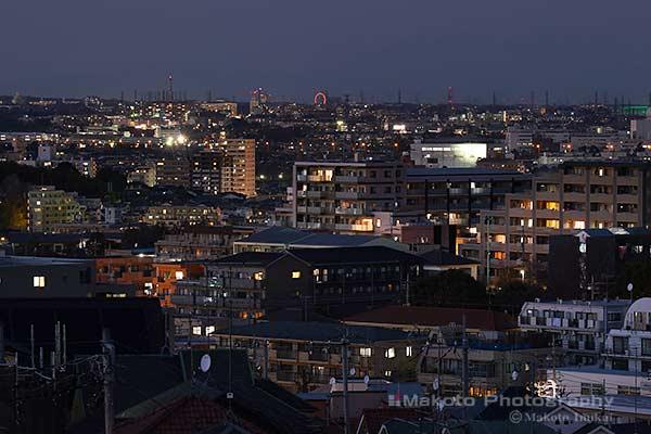 聖蹟桜ヶ丘(北)方向の夜景を望遠で捉える