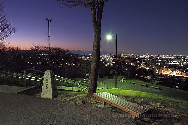 都立桜ヶ丘公園 ゆうひの丘 展望広場の雰囲気