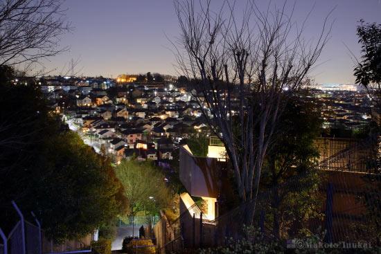 千代ヶ丘・新百合ヶ丘(東)方向の夜景を望む