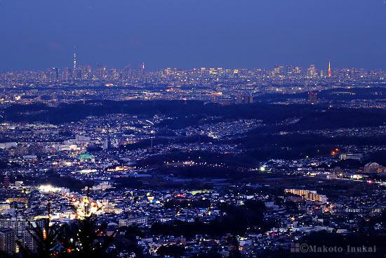 東京スカイツリー・東京タワーを望遠で捉える