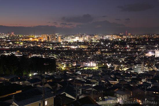 日野(北)方向の夜景を望遠で捉える