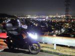 夜景撮影の大切な足となるバイク