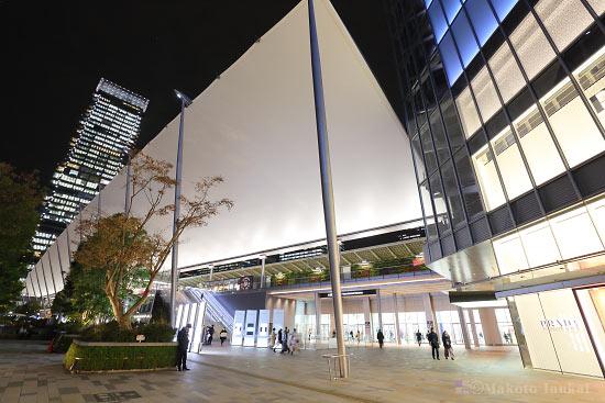 東京駅八重洲口より望むグランルーフの全景