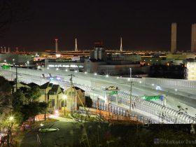 首都高速岸谷生麦インター・鶴見つばさ橋(南東)方向の夜景を望む