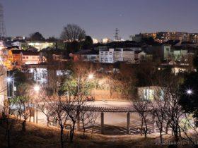 千代ヶ丘(東)方向の夜景を望む