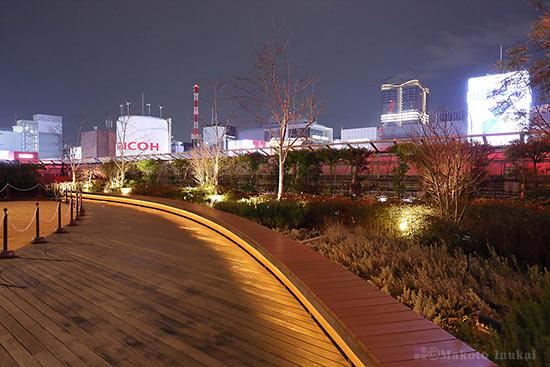 銀座四丁目(南)方向の夜景を望む
