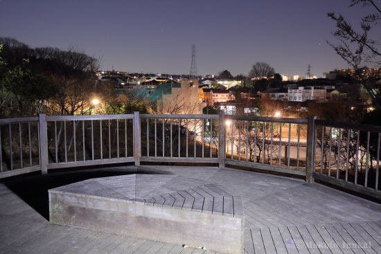 夜景スポット 万福寺さとやま公園 展望スペースの雰囲気