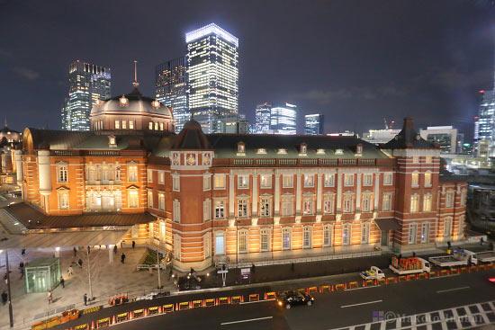 東京駅南ドーム・南ウィング(北東)方向の夜景を望む