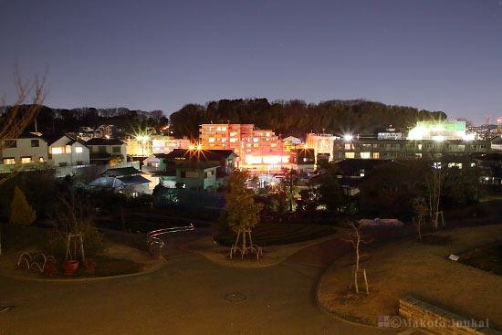 師岡町(北西)方向の夜景を望む