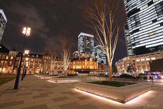 東京駅南ウィング(南東)方向の夜景を望む