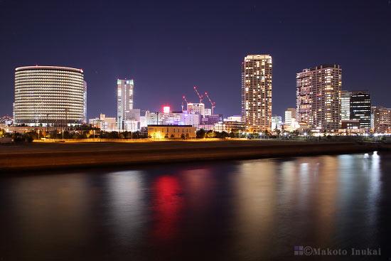 横浜駅周辺(西)方向の夜景を望む