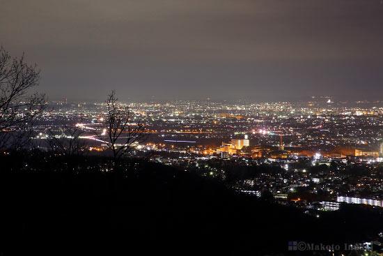 平塚・茅ヶ崎(東南東)方向の夜景を望む