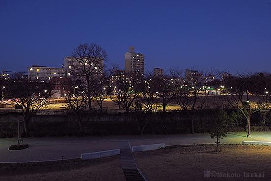 上砂町(北東)方向の夜景を望む