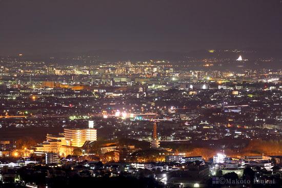 平塚・茅ヶ崎(東南東)方向の夜景を望遠で捉える