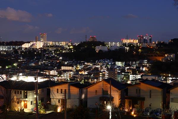 東中野の住宅街(南東)方向の夜景を望む