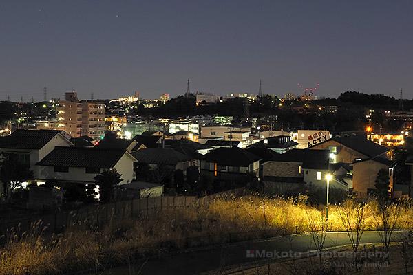松が谷(南東)方向の夜景を望む