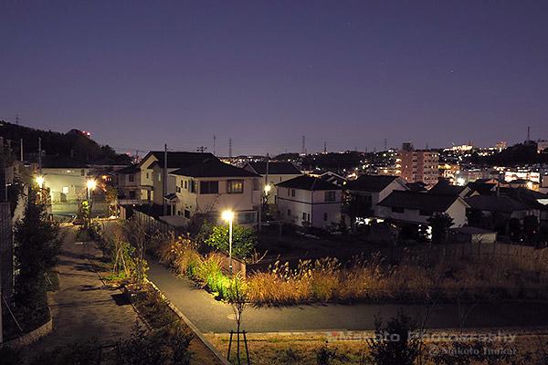 東中野(東)方向の夜景を望む