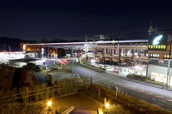 鶴川街道(東)方向の夜景を望む